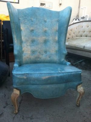 declutter your life of old junk furniture